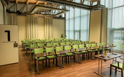Einer der Seminarräume im nachhaltigem Hotel in Kärnten