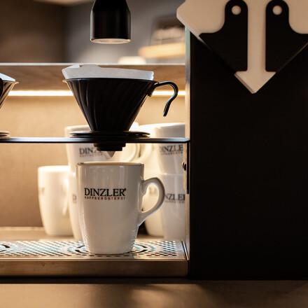 Die Kaffeemaschine im Wirtshaus vom Hotel eduCARE, dem Hotel für barrierefreien Urlaub am See