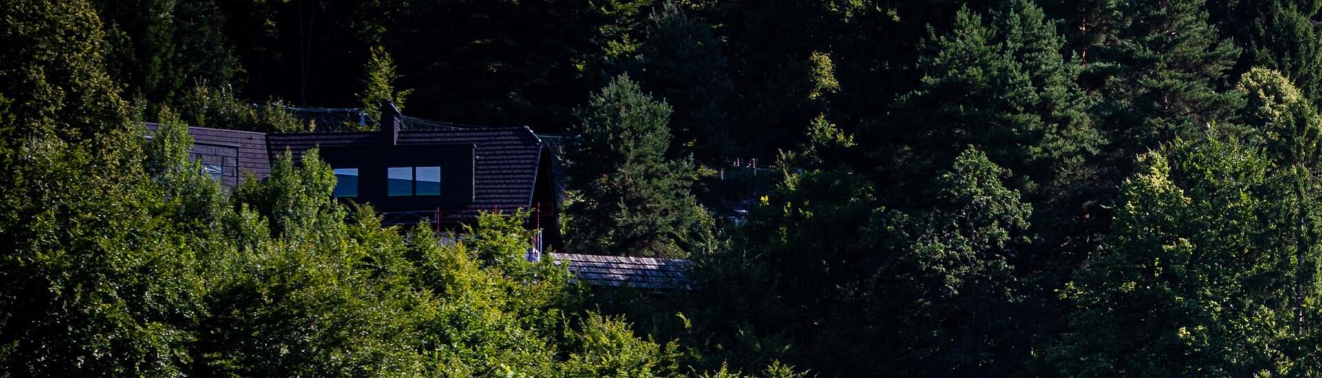 Außenansicht vom Hotel eduCARE, dem Hotel für barrierefreien Urlaub am See